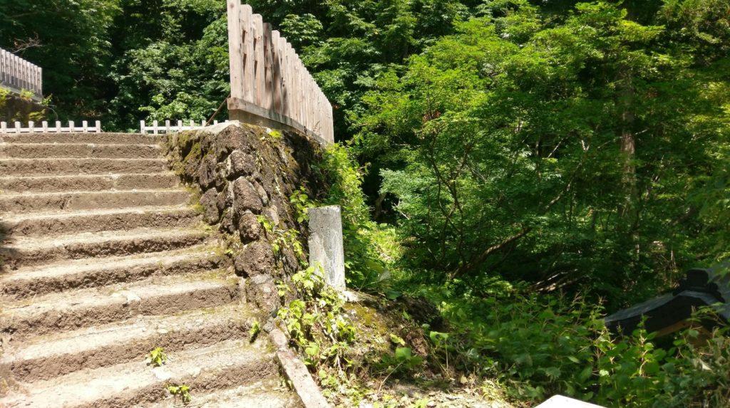 【画像】奥社への階段