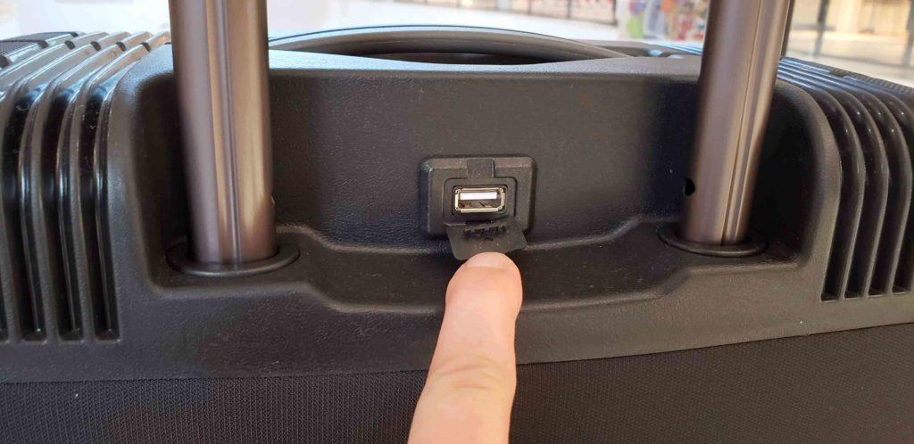 【画像】アントラータイタス給電用USB解放