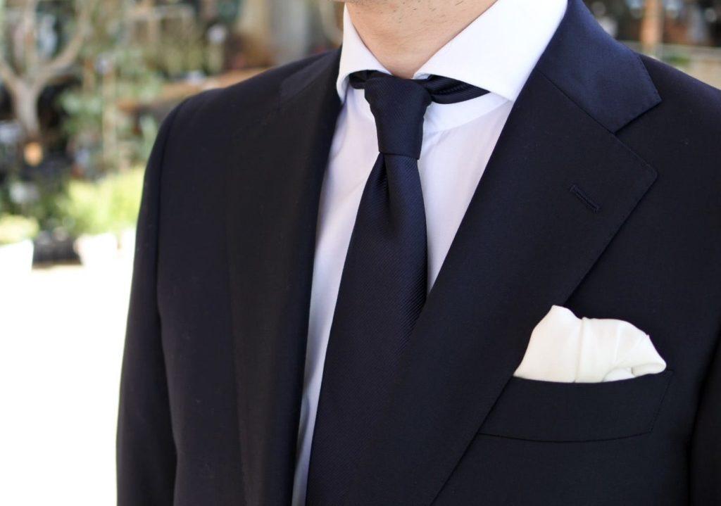 【画像】ゾゾのビジネススーツを着てみたネクタイ