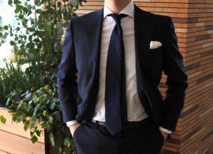 【画像】ゾゾのビジネススーツを着てみた正面