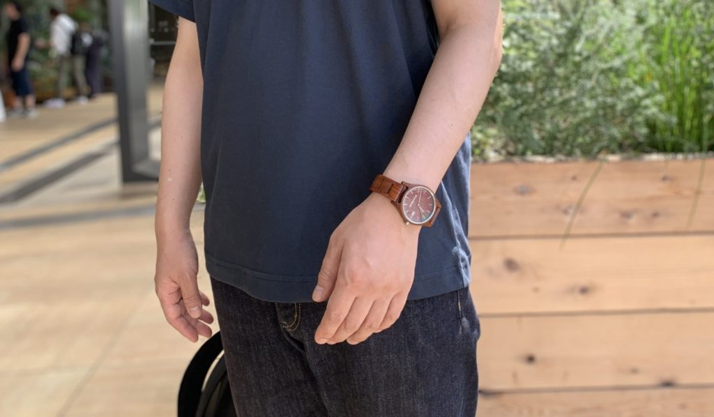 【画像】被らない木製時計コーデ
