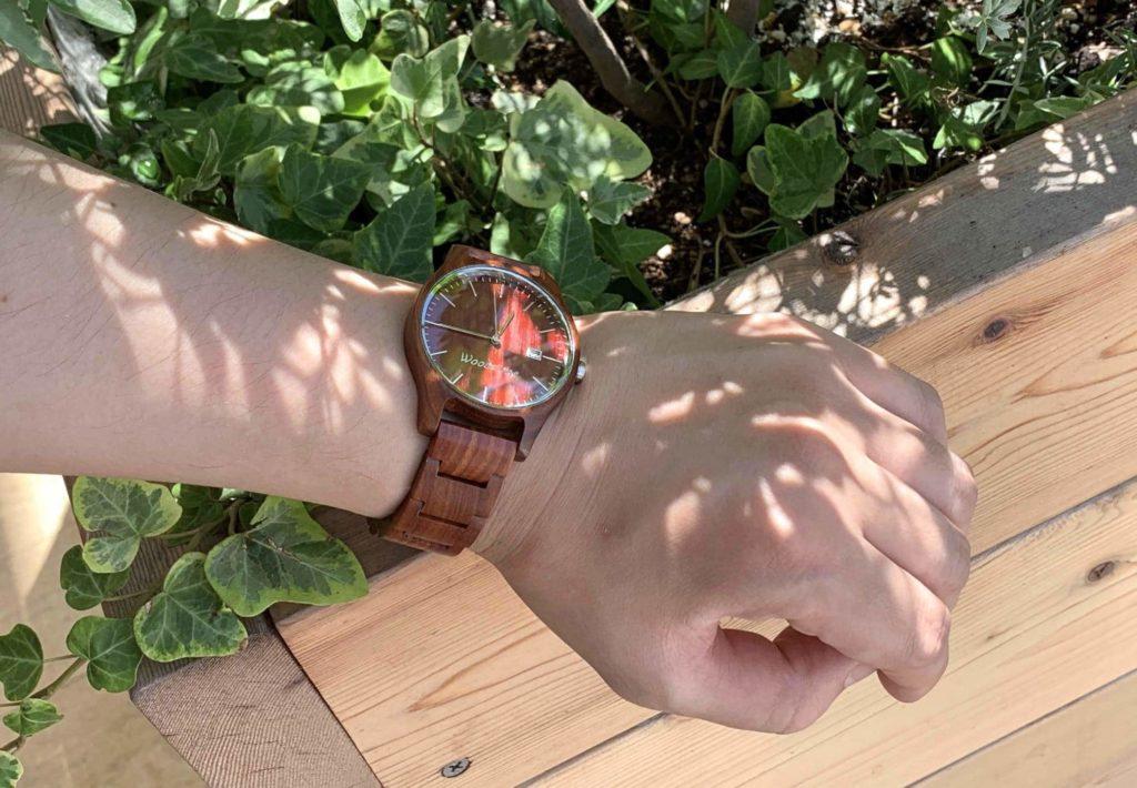 【画像】被らない木製腕時計木漏れ日