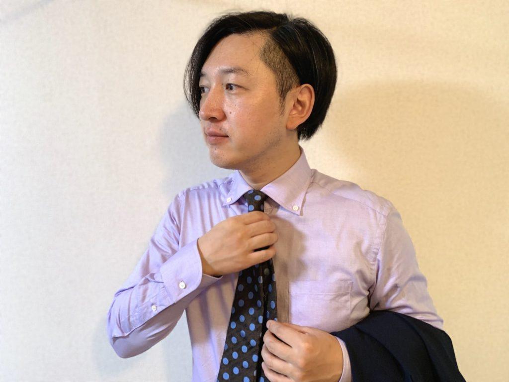 【着用画像】オーダーシャツkeiのボタンダウンシャツネクタイ付き